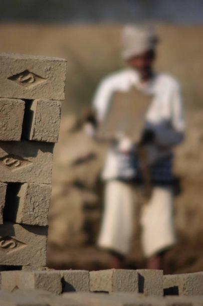 Faseeh-shams-photography-brick-makers3.jpg