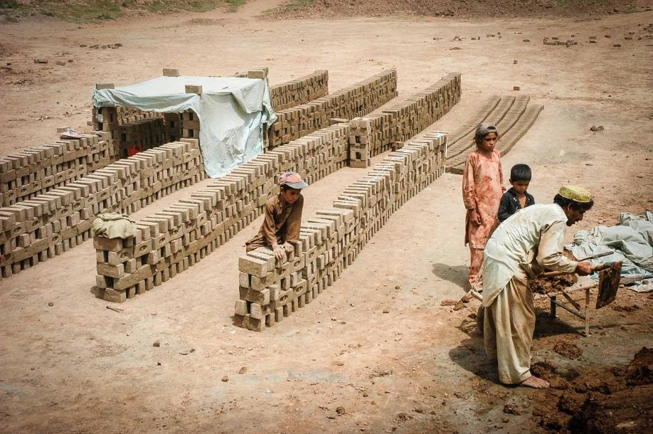 Faseeh-shams-photography-brick-makers6.jpg