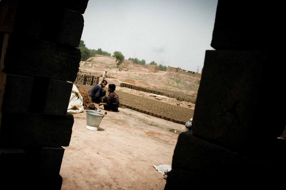 Faseeh-shams-photography-brick-makers9.jpg