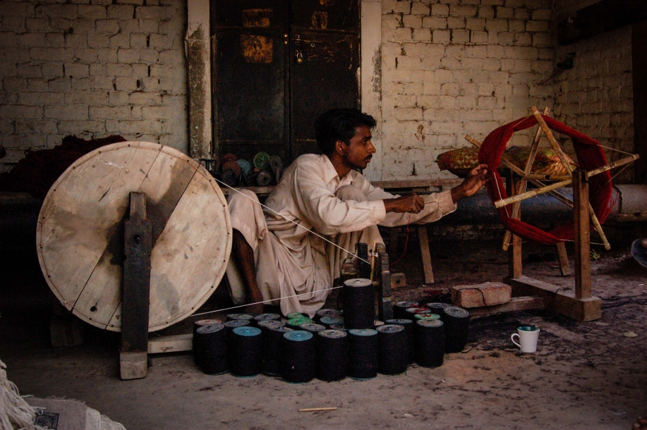 Faseeh-shams-photography-carpet-weavers4.jpg