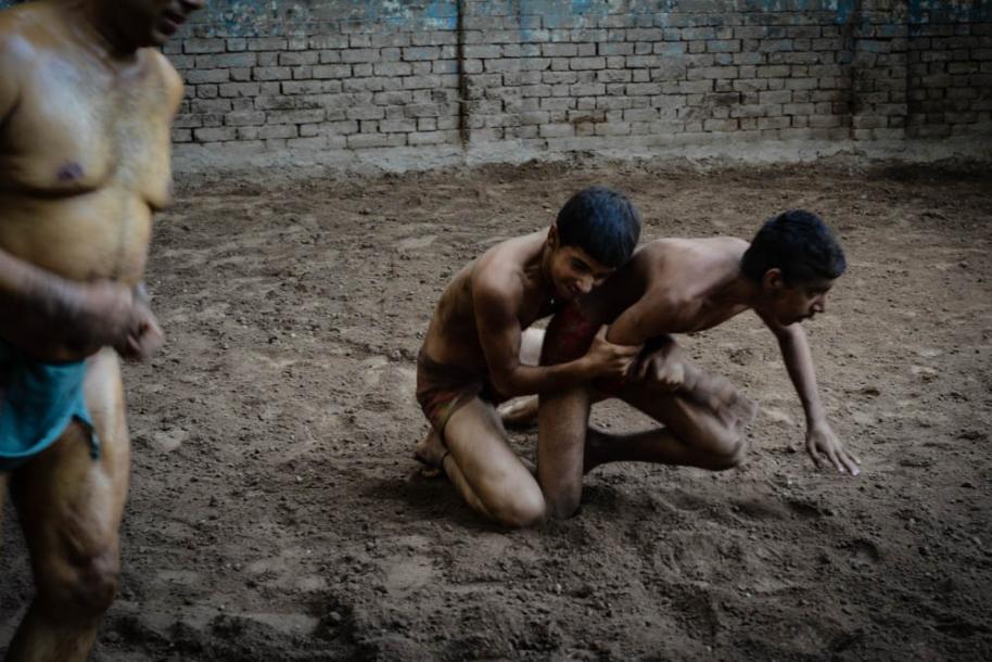 Kabadi-wrestling-pakistan17